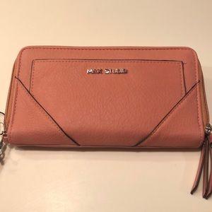 coral MAX STUDIO wallet